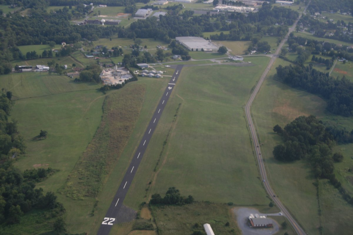 johnson city airport